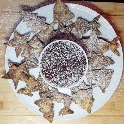 Christmas Spice Sweet Nachos With   Hot Chocolate Dipping Sauce
